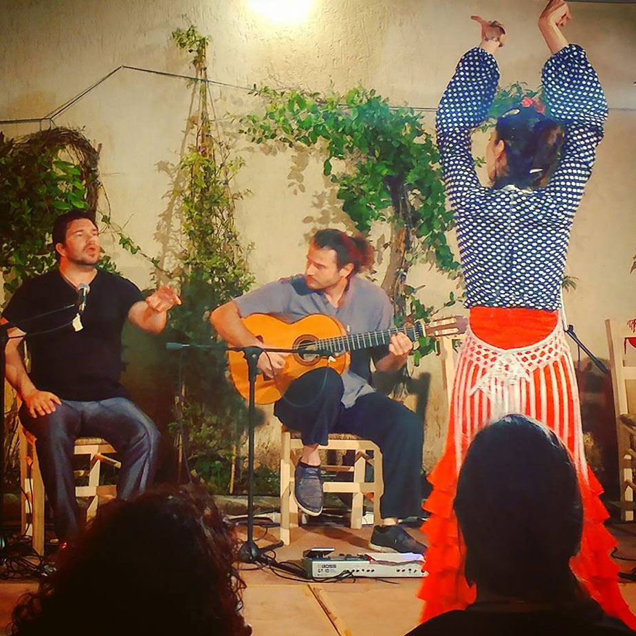 https://www.yotabaronproductions.com/wp-content/uploads/2020/04/yota-baron-productions-gallery-solo-flamenco-8.jpg